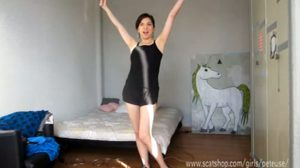 Double Shit Load Jogging Panty Poop – Pooping (660 Mb)
