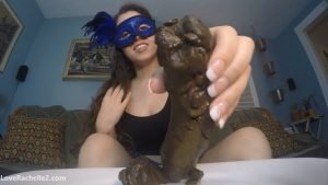 Girl shitting on plate and licking a fecal dick [loverachelle2.com]