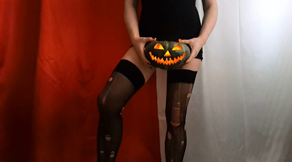 Anna Coprofield – Trick Or Treat (PART 1) - 1