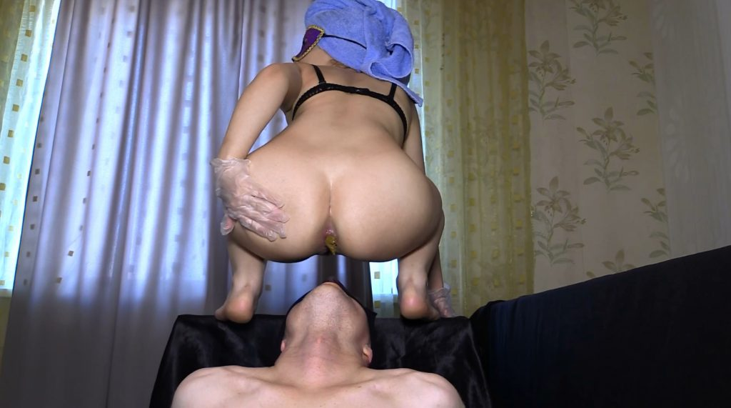 Mia The most beautiful girl in our studio – Princess Mia and toilet slave - 3