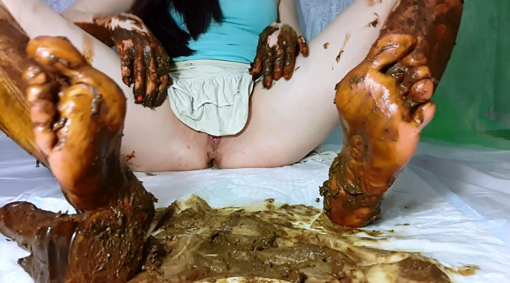My Feet Receive A Portion Of Shit - PART 2 (Anna Coprofield) - 1