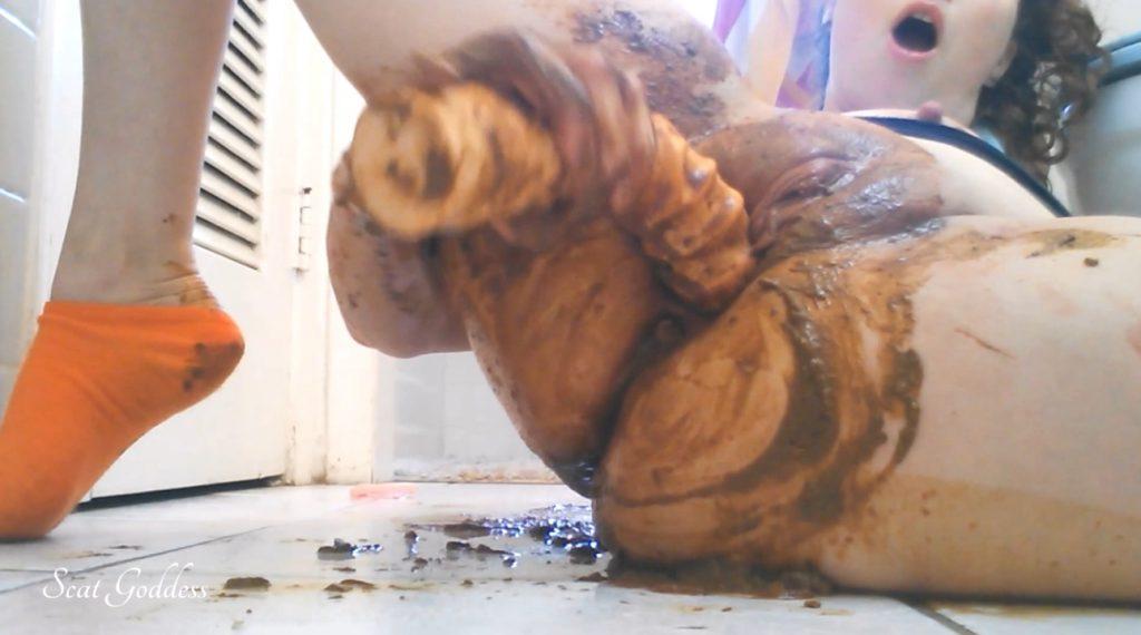 Scat Goddess Amanda - Worship MY Filthy Ass - Horny Messy Poop - 4
