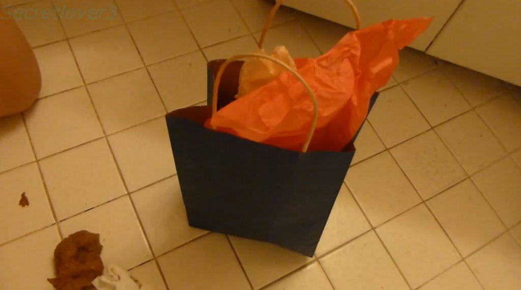 Christmas Poo Present - SecretLover3 - 9