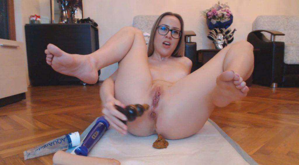 Dirty Thick Buttplug - Ella Gilbert - 9