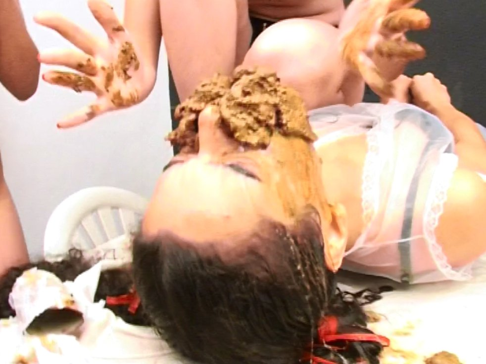 Girls Swallow Scat No.6 - SG-Video - 5