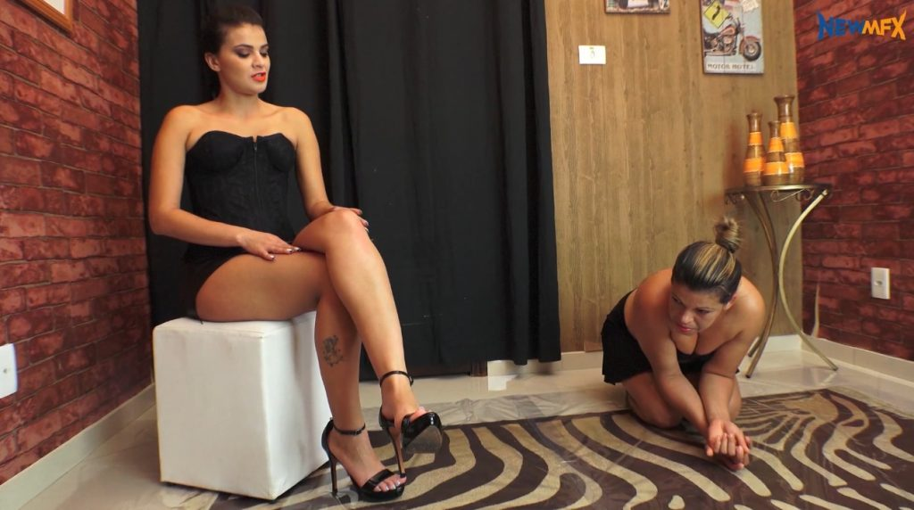 Mistress giving slavegirl lots of shit in mouth to swallow - 1