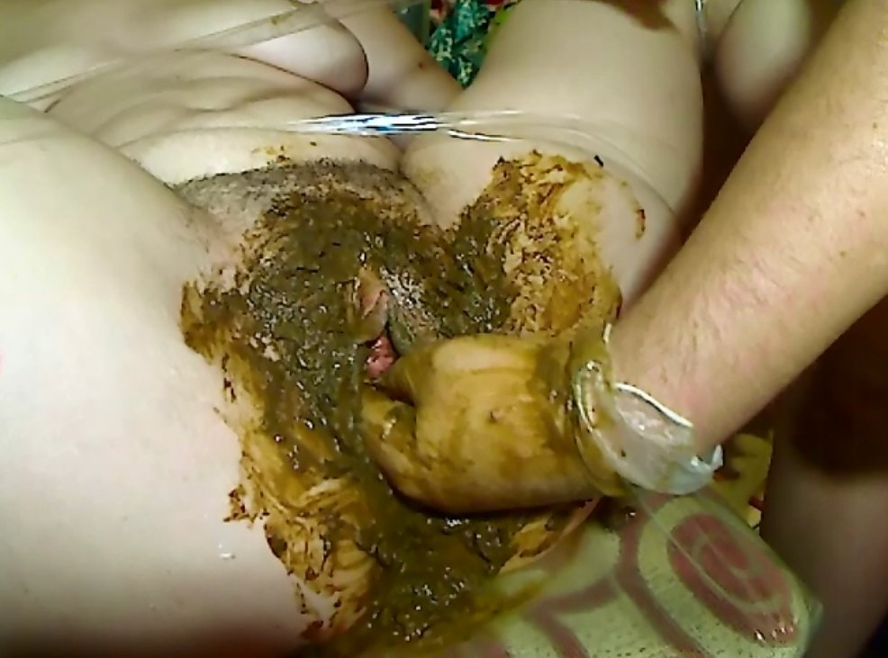 Pissing and shitting dirty fisting feces in pussy - 10