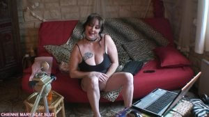 Webcam Scat Show – Chienne Mary French Scat Slut (1080p)
