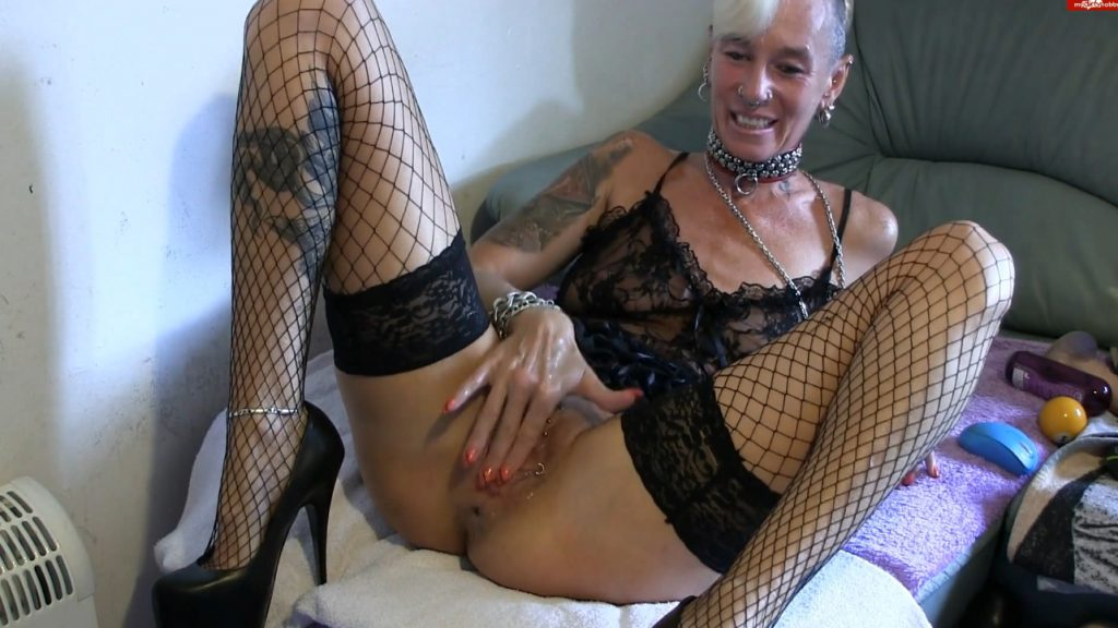 Apple insertion - Lady-isabell666 (FULL HD)-5