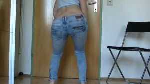 MariaDevot – Verschissen and bugger off (Pooping in Jeans)