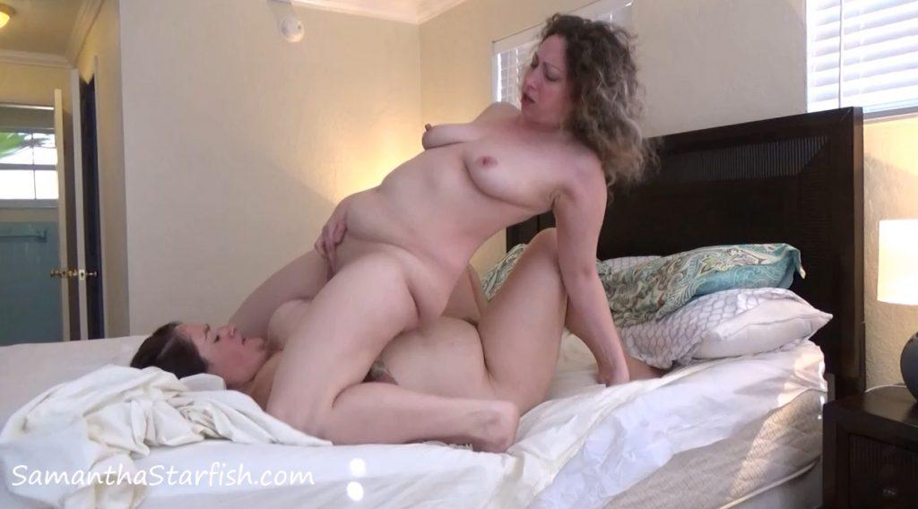 SamanthaStarfish - Sensual Lesbian Pee and Poop Love Making (Scat Goddess Amanda and SamanthaStarfish) - 3