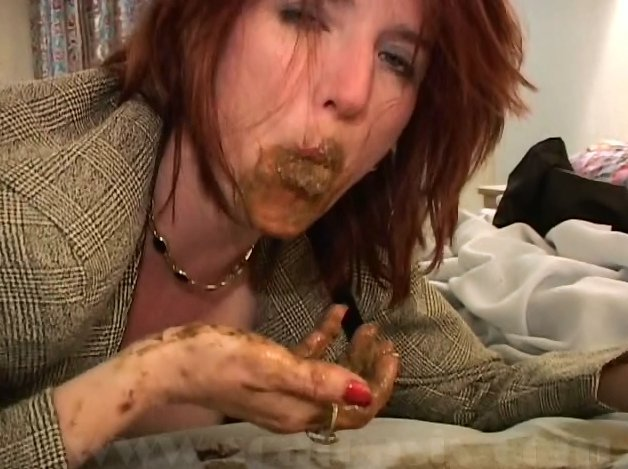 Most Extreme Shit And Piss Action With Lot Of Shit (Pretty Lisa) - 4