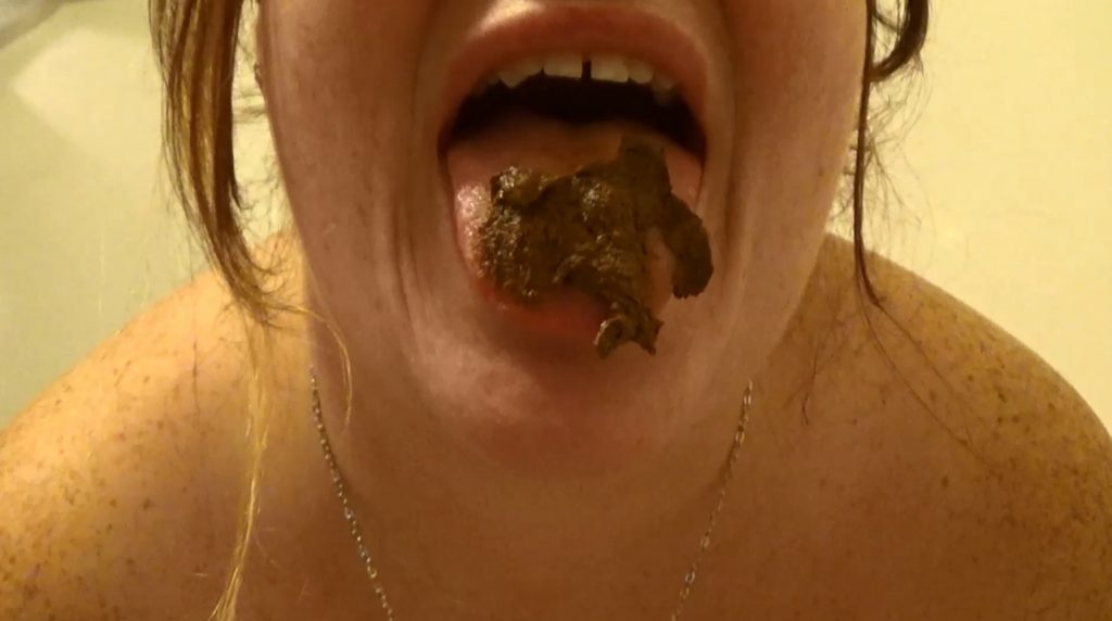 BBW Samantha Starfish - poop in satin panties and dirty scat play - 4