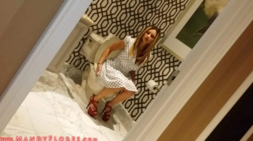 Mandy Flores - Peeing and pooping compilation scat-chat (FULL HD-1080p) - 3