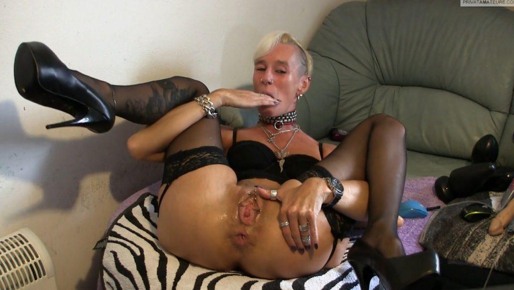 lady-isabell666 - Prolapse (Asshole Posing) - 4