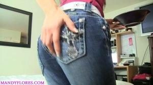 Mandy Flores – Toilet Slavery Training (FHD-1080p, panty, leggins, solo, jeans)