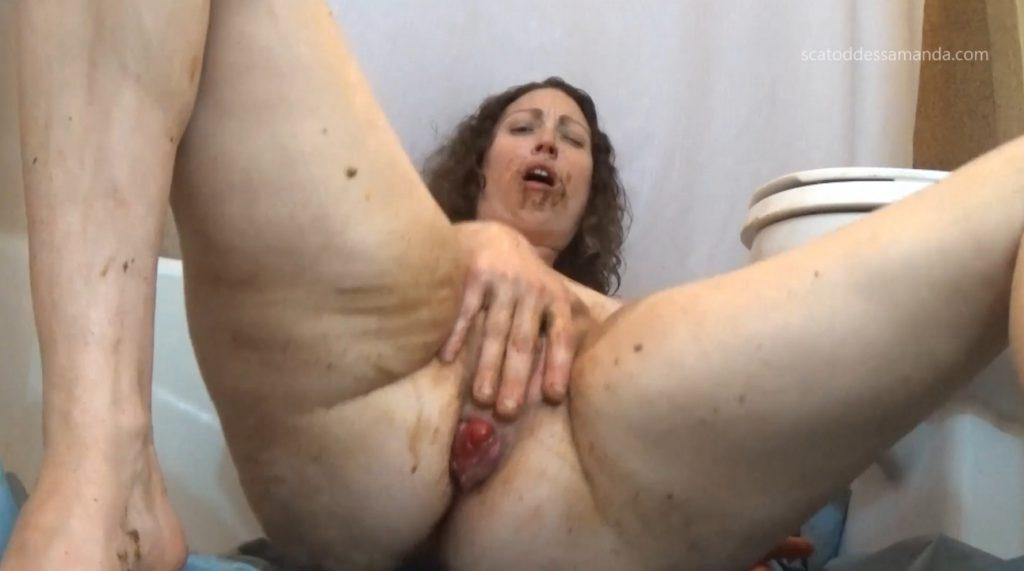 Masturbation Of The Clit To Shit - 5