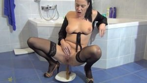 Spritzigefee Defecated in the Shower (Full HD-1080p)