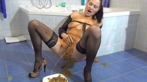 Spritzigefee Defecated in the Shower - Image 2