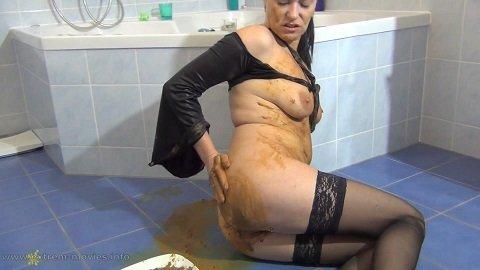 Spritzigefee Defecated in the Shower - Image 3