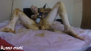The Messy Chick – Shit Covered Orgasm With My Magic Wand (1080p)