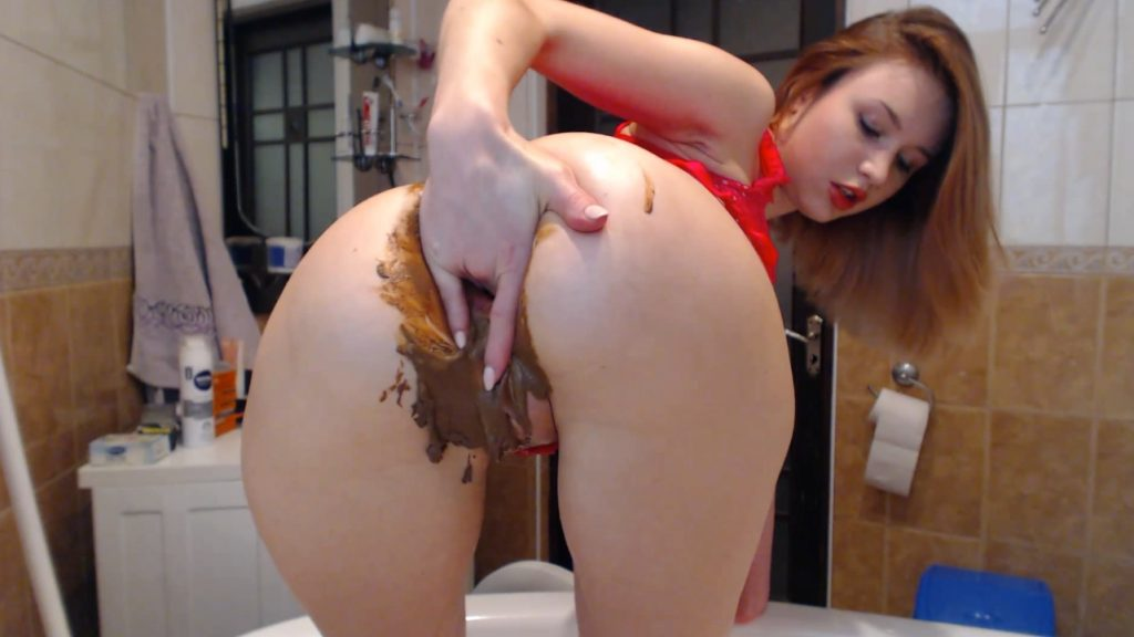 DirtyLena - Sexy in pink Poo play, drinking Pee - Image 3