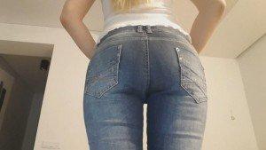 Blonde hard rub jeans poop – Thefartbabes (Full-HD)