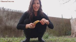 Outside Scatplay. Lucky Banana [Messy Paula]