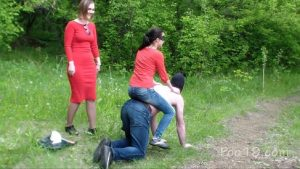 2 girls used live toilet in woods [Milana Smelly] 720p