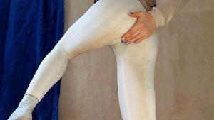 AnnaCoprofield – White Pants (FHD-1080p)